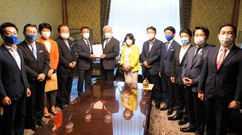 議員立法「日本版家庭医制度法案」を衆議院に提出しました。を開く